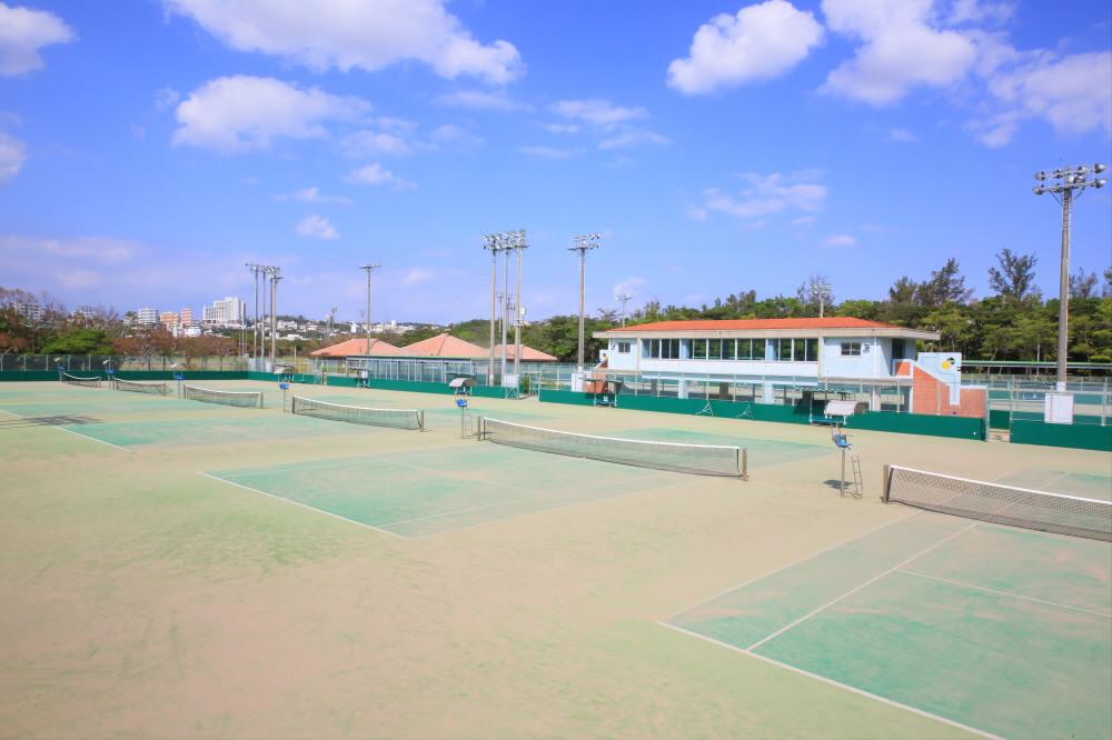 庭球場(沖縄県総合運動公園内)