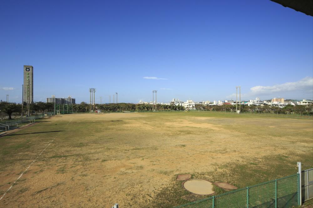 糸満市西崎多目的広場(西崎運動公園内)