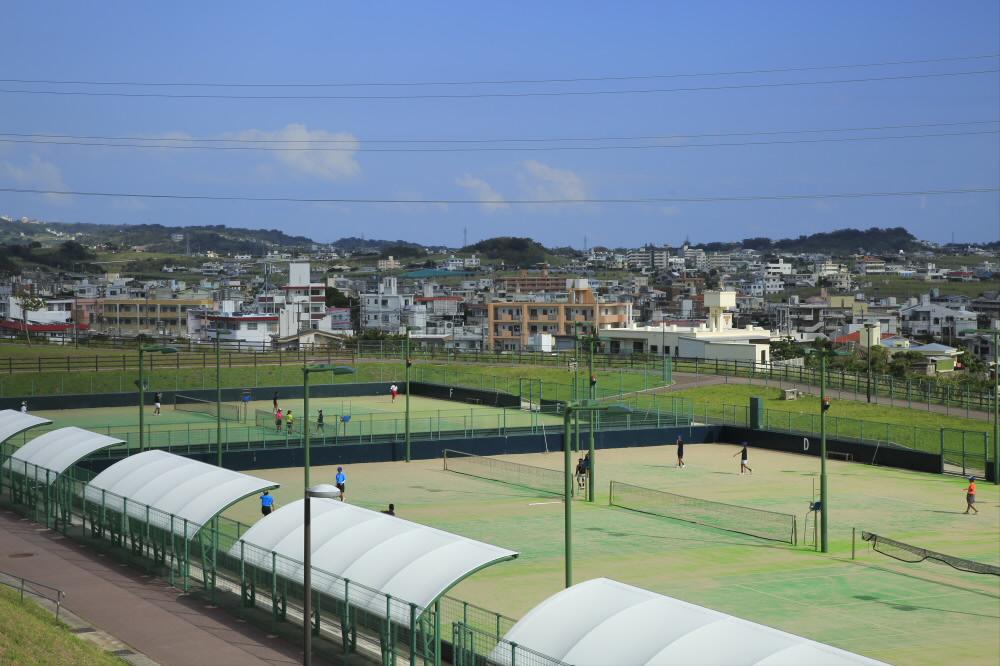 東風平運動公園テニス場