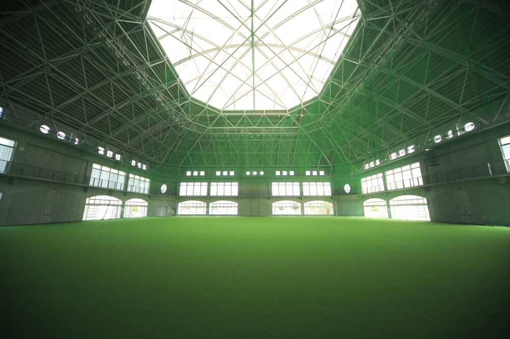 嘉手納町スポーツドーム(嘉手納運動公園内)