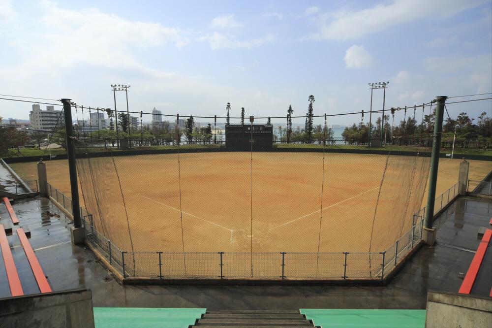 北谷公園ソフトボール場