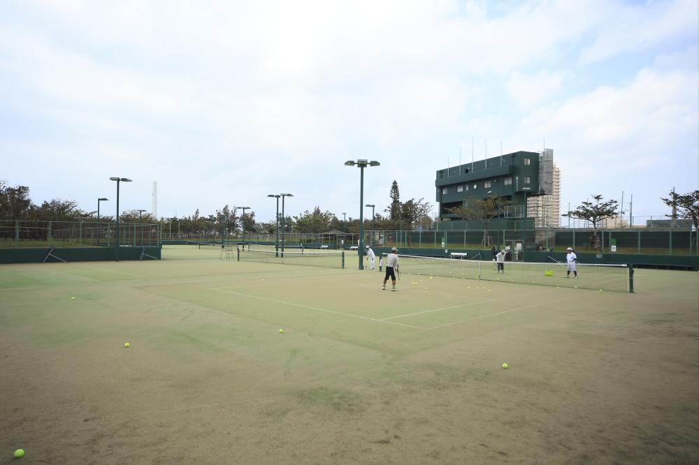 北谷公園庭球場