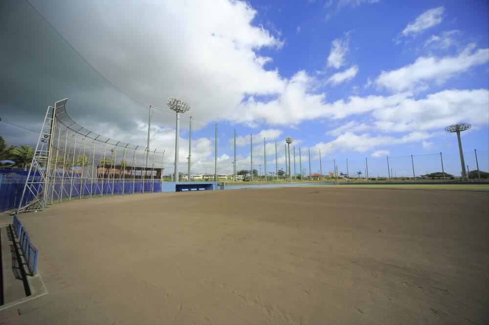 石垣市中央運動公園第二野球場