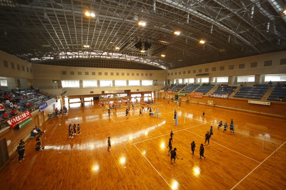 石垣市中央運動公園総合体育館