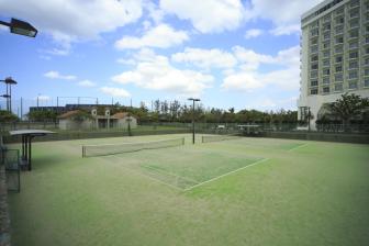 Ginowan Seaside Park Tennis Court