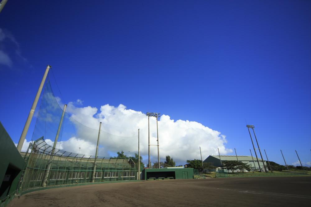 宮古島市下地野球場(下地公園内)