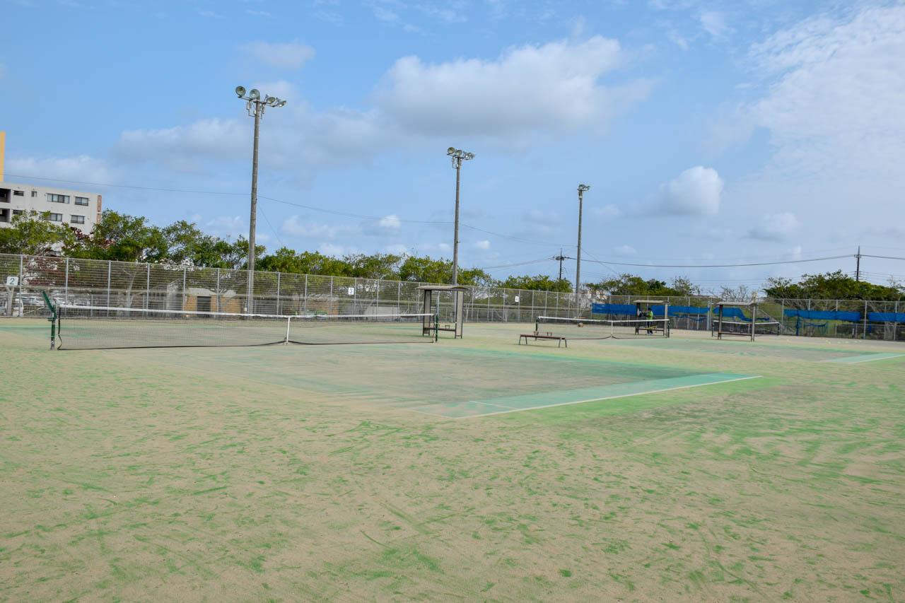 新都心公園 テニスコート