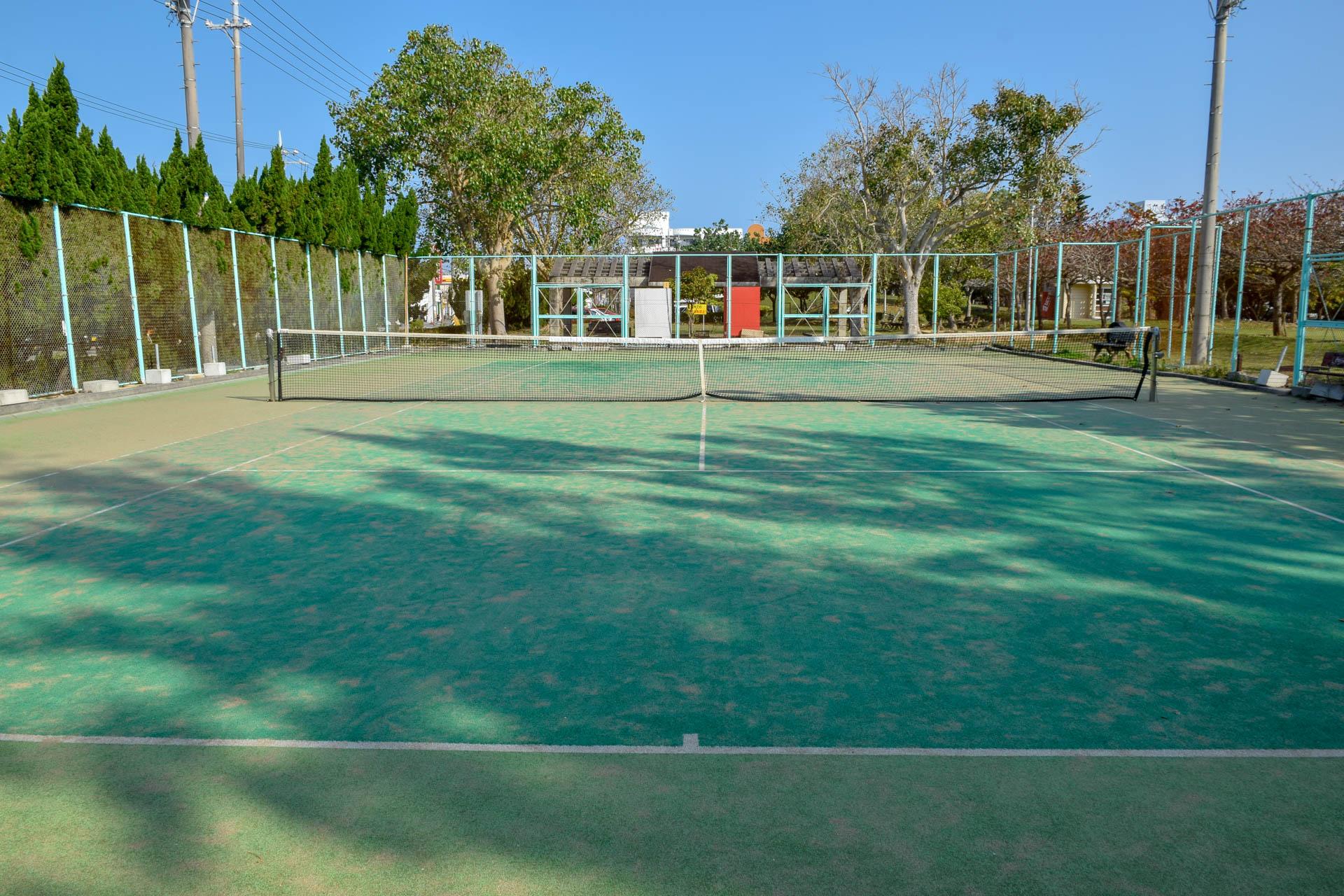 糸満市近隣公園 庭球場