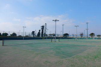 嘉手納町テニス場(嘉手納町兼久海浜公園内)